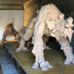Skulptur aus gebranntem Ton - Detail von vorne