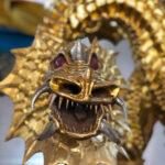 Drachen mit Flügel, vergoldet mit Blattgold - Kopfansicht