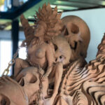 Skulptur aus gebranntem Ton - Detail Reiterin